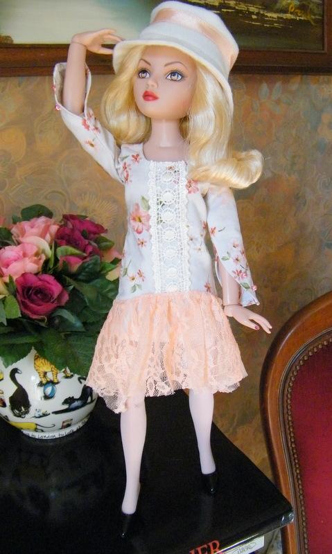 Mes poupées Ellowyne Wilde. De nouvelles photos postées régulièrement. - Page 5 02510