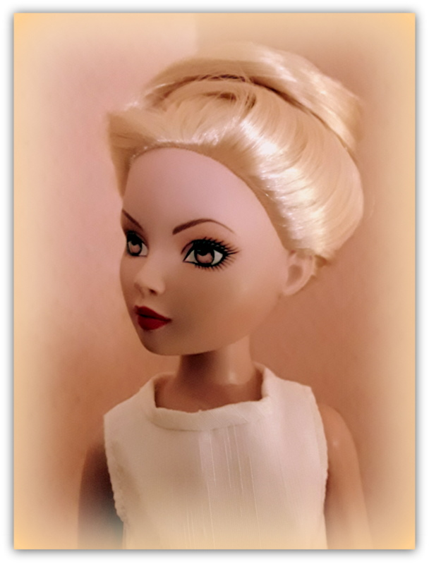 Mes poupées Ellowyne Wilde. De nouvelles photos postées régulièrement. - Page 20 20170319