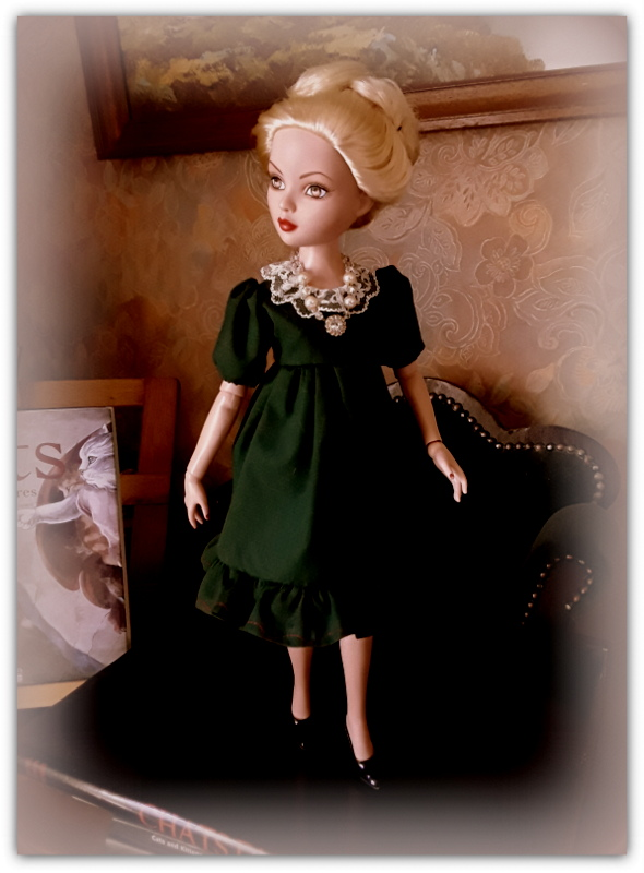 Mes poupées Ellowyne Wilde. De nouvelles photos postées régulièrement. - Page 21 20170560