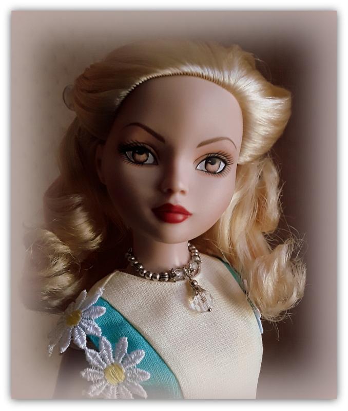Mes poupées Ellowyne Wilde. De nouvelles photos postées régulièrement. - Page 21 20170633
