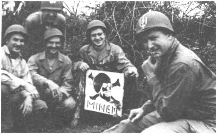 Les Images de la Seconde Guerre Mondiale - Page 17 112_7710