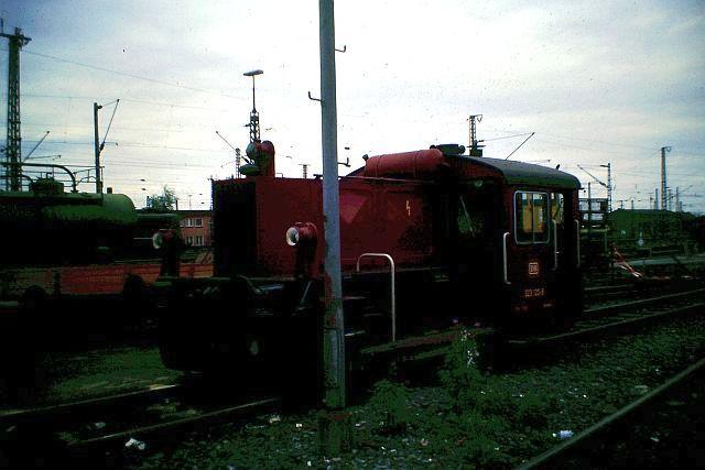 Kleindiesellok Köf II - DB-Baureihe 322-324 - DR BR 100 / 310 1_323_10