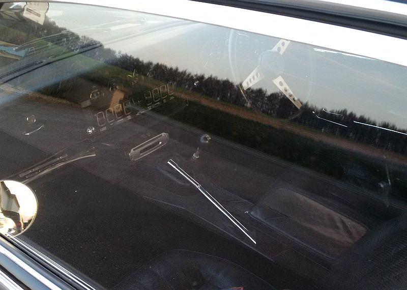 Jaguar E-Type V12 - auf dem Parkplatz schnappgeschossen 414