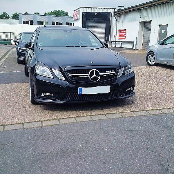 Mercedes AMG auf dem Parkplatz schnappgeschossen   Img_2014