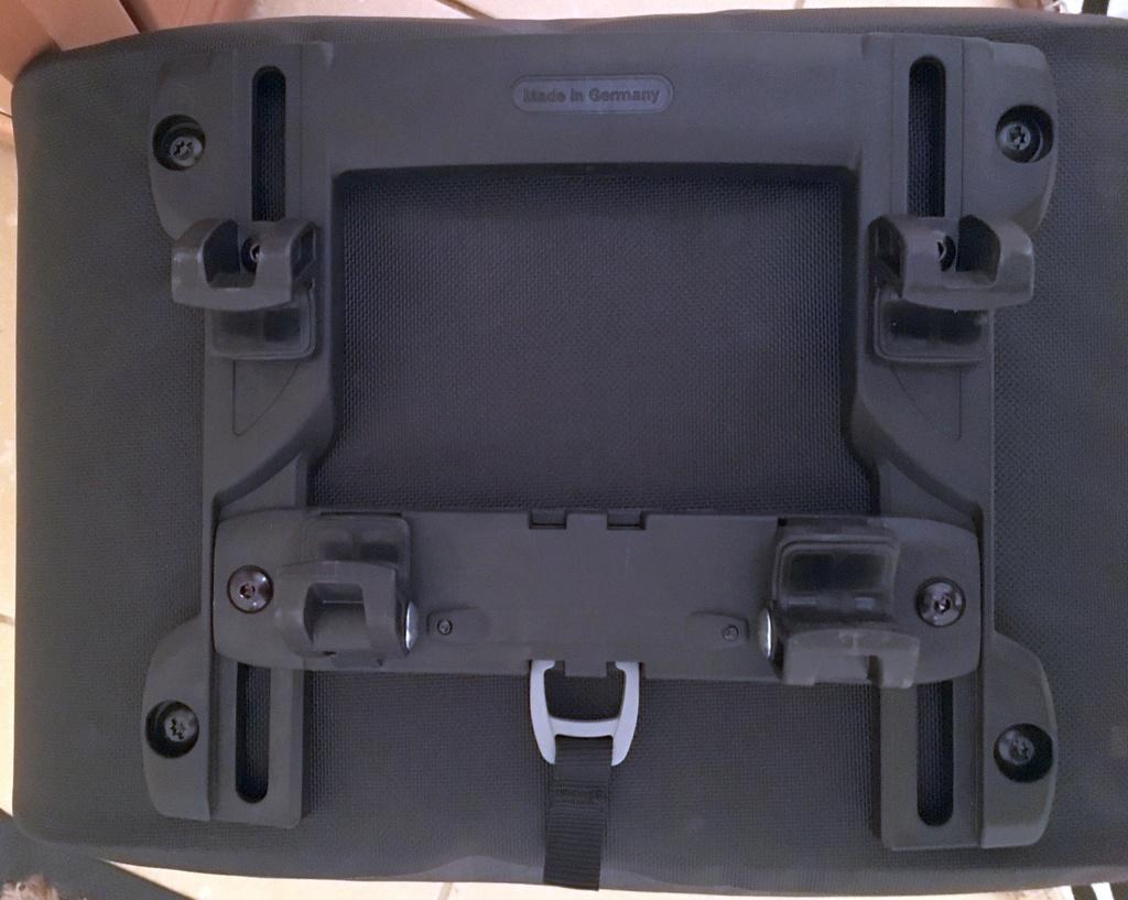 Porte-bagage arrière : sacoches avec fixation rapide par clip Ortlie10