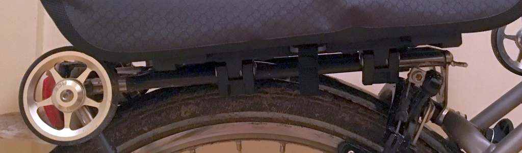 Porte-bagage arrière : sacoches avec fixation rapide par clip Trunkb10