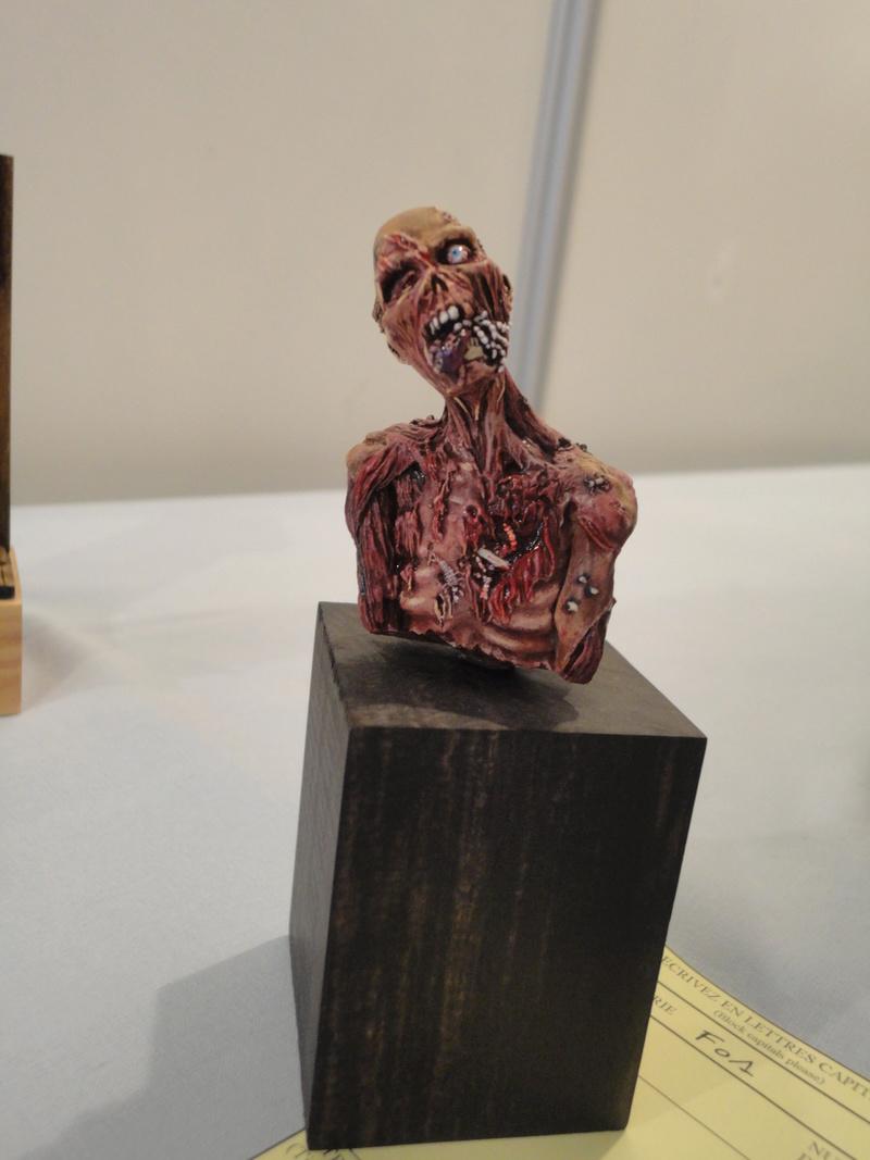 buste zombie Dsc02310