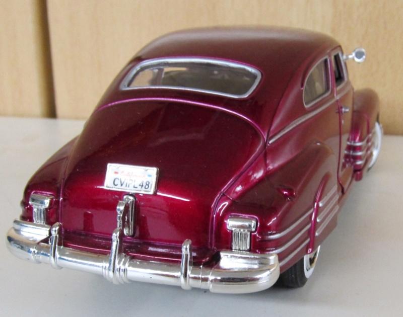 1948 Chevrolet Fleetline Aerosedan in 1 zu 24 von MotorMax 1948_a11