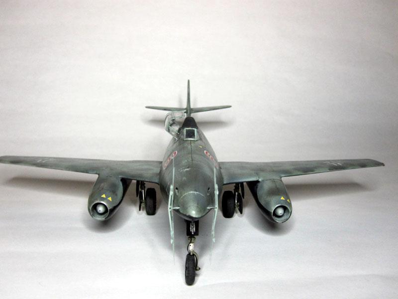 Me262B-1a / Nachtjäger von Italeri in 1:48 Vorne11