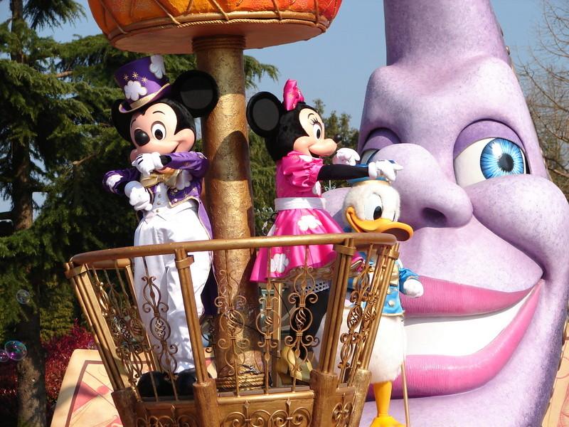 La Magie Disney en Parade ! (2012-2017) - Page 33 Dsc01811