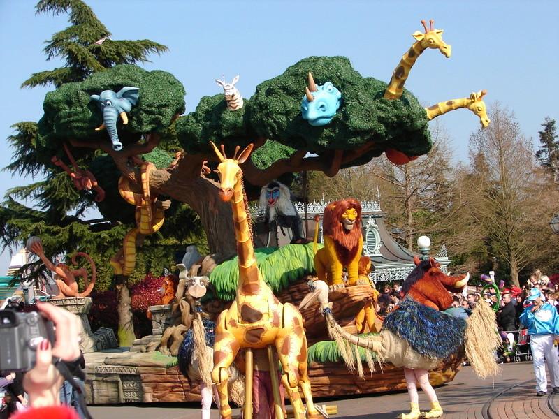 La Magie Disney en Parade ! (2012-2017) - Page 33 Dsc01818