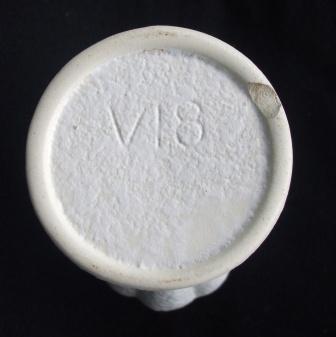 White Vase V18 Vase_v10