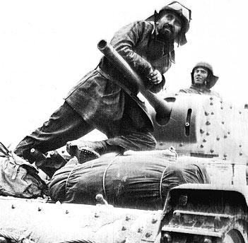 Direzione Egitto! Tankiste italien, juin 1942 Afvi-m10