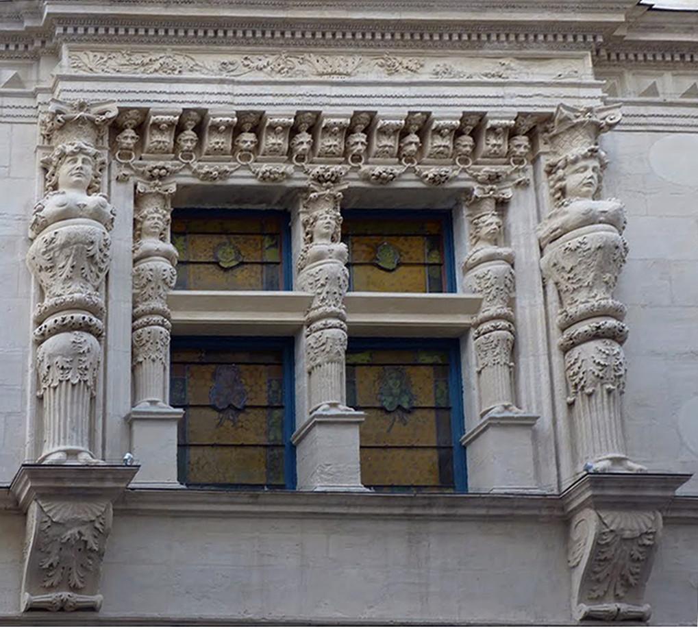 ARCHITECTURE : cariatides et atlantes - Page 11 45144710