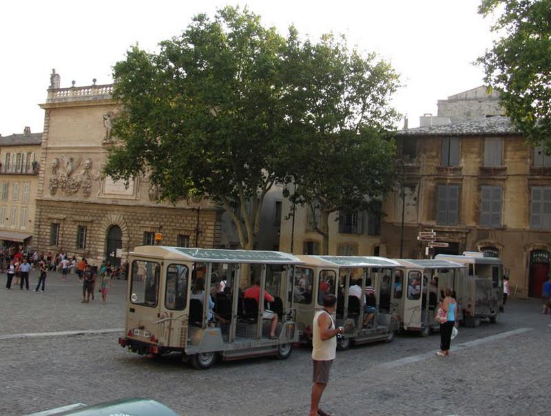 STREET VIEW : les petits trains touristiques 62981410