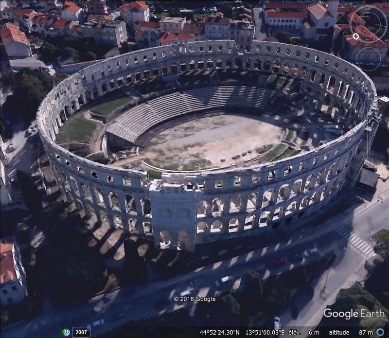 L'amphithéâtre de Pula - Croatie Aaa111
