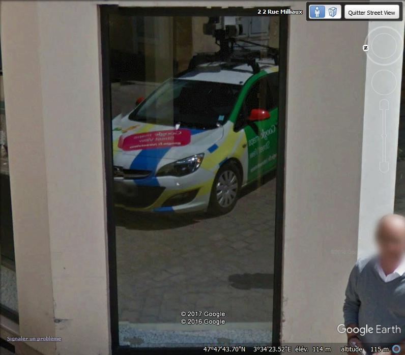 STREET VIEW : reflets de Google-Car Lll10