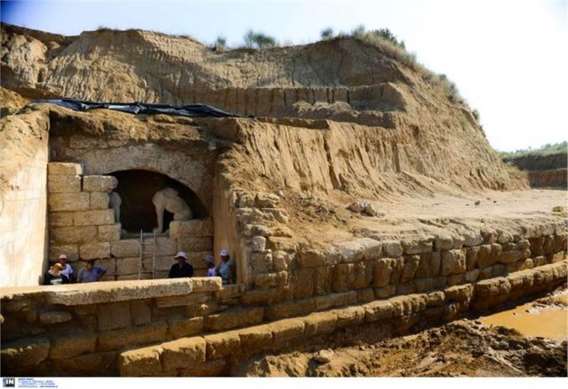 La tombe d'Amphipolis - Grèce, La tombe d'Alexandre le Grand??? Www112