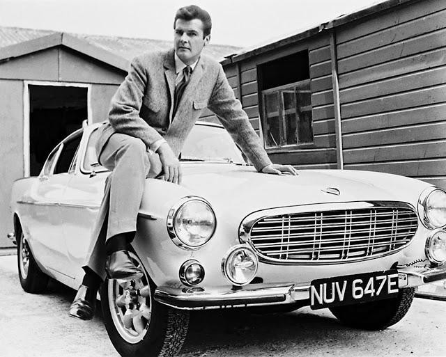 James Bond des grandes années,le seul SIR Roger Moore .... Roger_10