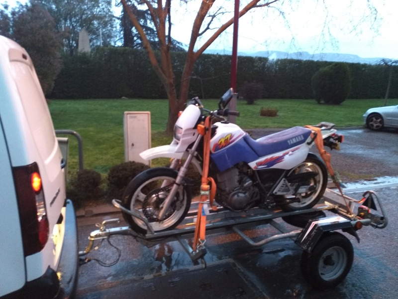Un peu de bitume!  600 xte 3tb super motard Img_2011