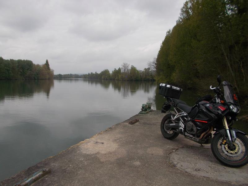 Vos plus belles photos de moto - Page 13 Dscn0215