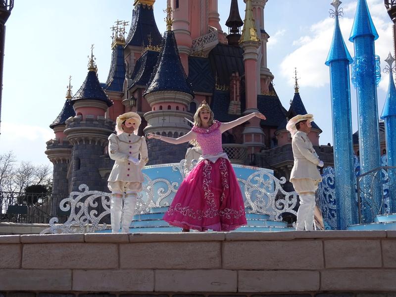 Vos photos avec les Personnages Disney - Page 38 Dsc06014