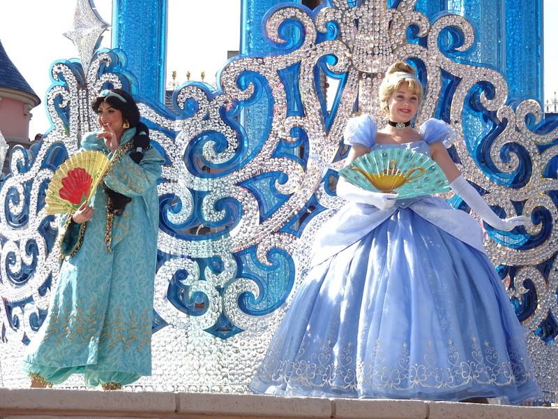 Vos photos avec les Personnages Disney - Page 38 Dsc06018
