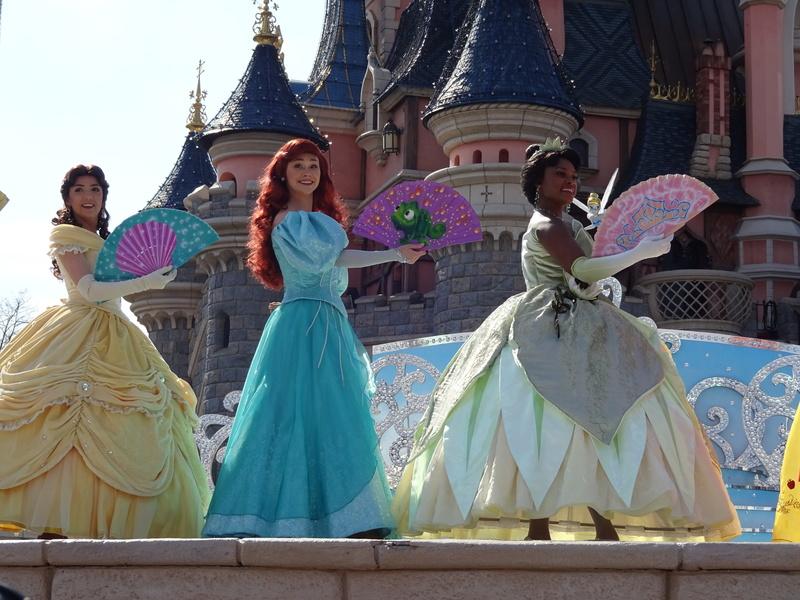Vos photos avec les Personnages Disney - Page 38 Dsc06110