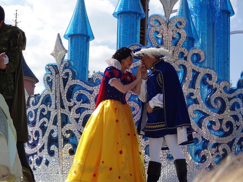Vos photos avec les Personnages Disney - Page 38 Dsc06119
