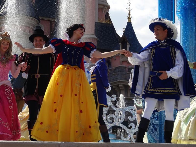 Vos photos avec les Personnages Disney - Page 38 Dsc06122