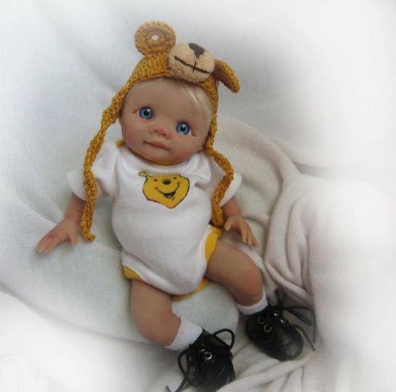 Des jolies poupées  - Page 4 Bbb1010