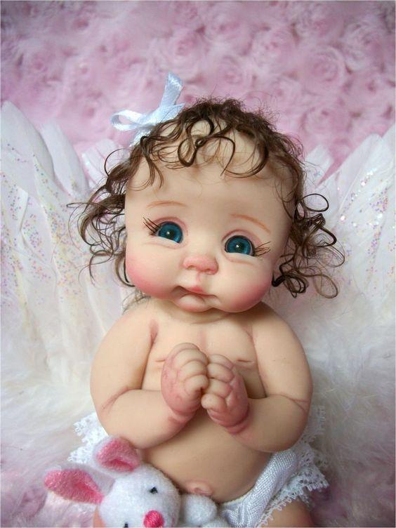Des jolies poupées  - Page 3 Bbb110