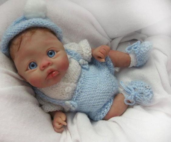 Des jolies poupées  - Page 3 Bbb410