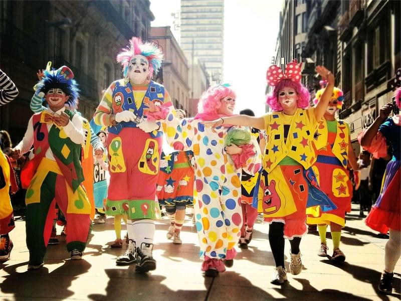 Les clowns  - Page 3 Clow710