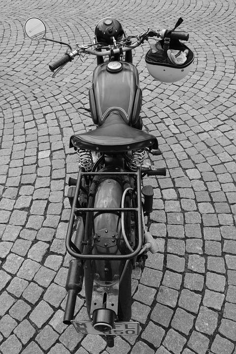 Motos d'époque - Page 2 Mot410
