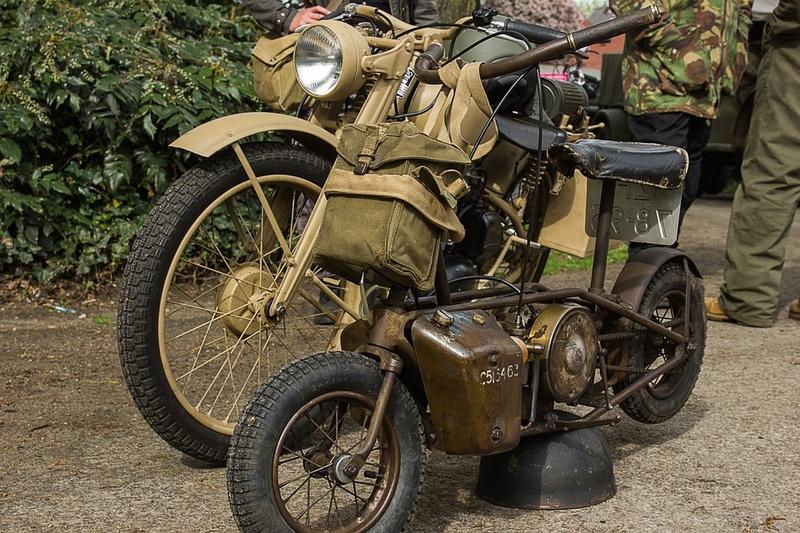 Motos d'époque - Page 2 Mot510