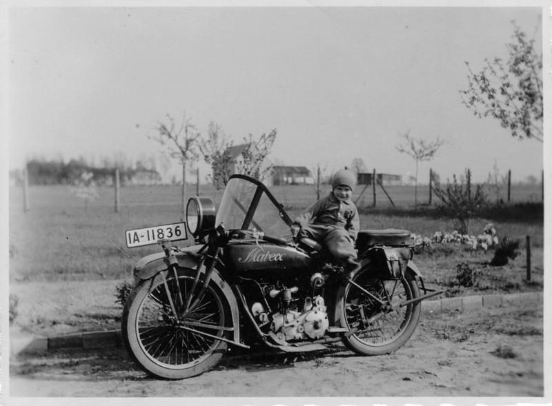 Motos d'époque - Page 2 Mot910