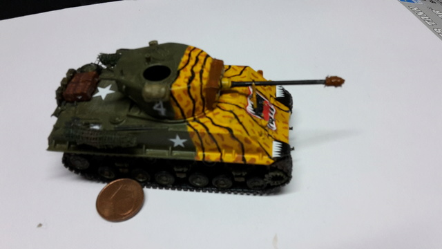 SHERMAN M4A3E8 Korean war  -  Trumpeter 1/72 14-02-12