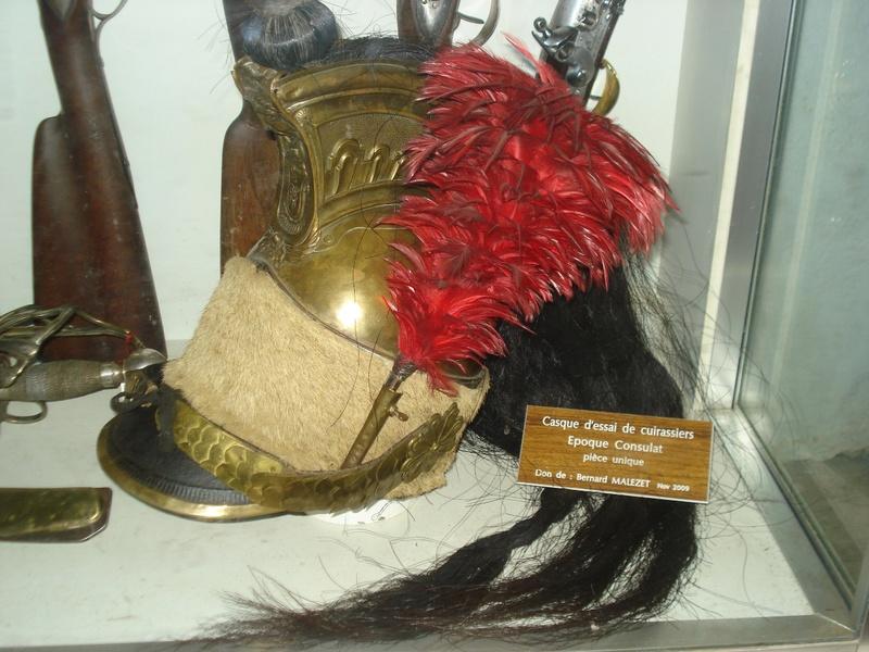 La collection d'armes anciennes du château de Joux Dsc01913
