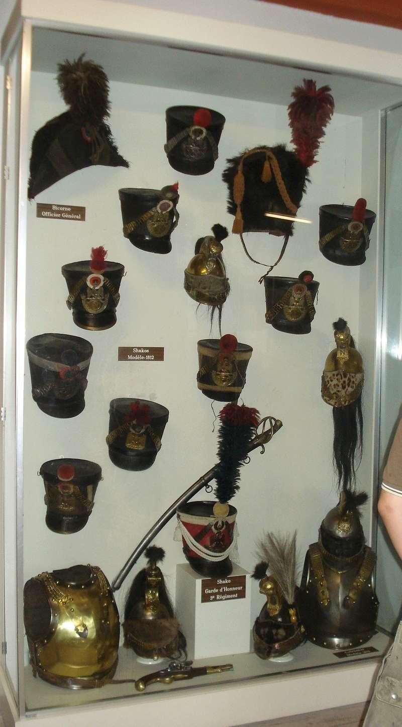La collection d'armes anciennes du château de Joux Dsc01920