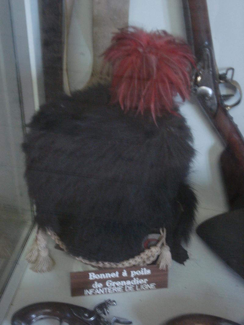 La collection d'armes anciennes du château de Joux Dsc01923