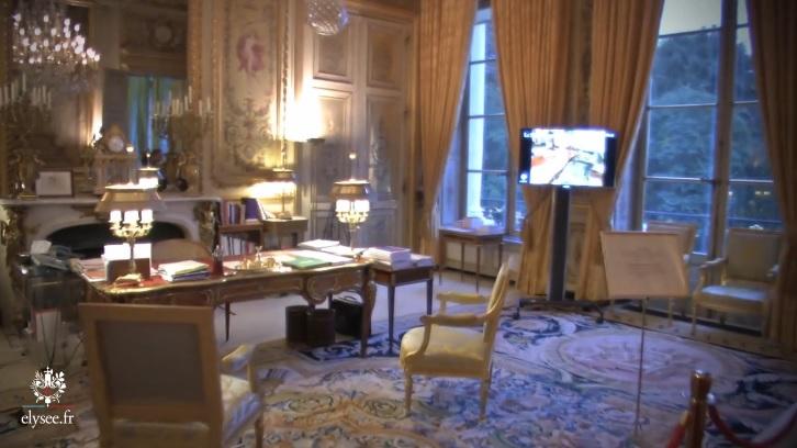 """""""La guerre des Rose"""" à l'Élysée : plusieurs milliers d'euros de dégâts à la charge de Hollande et Trierweiler Salon_10"""