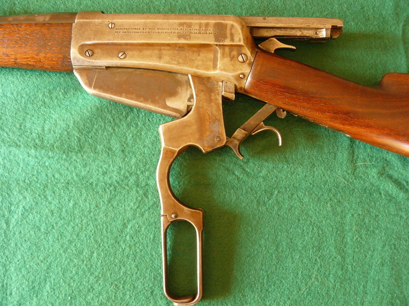 Deux exemplaires; 303 British et 405 Winchester [1895] 4winch10