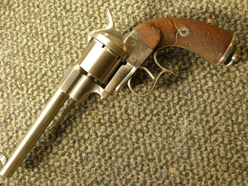"Revolver type ""lefaucheux"" 12mm à broche Cnilic18"