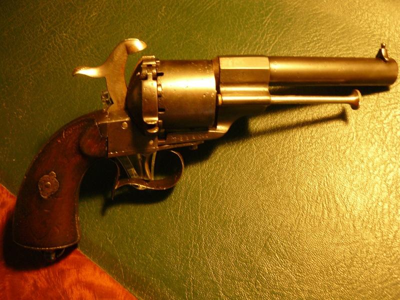 """Revolver type """"lefaucheux"""" 12mm à broche - Page 3 Lefauc11"""