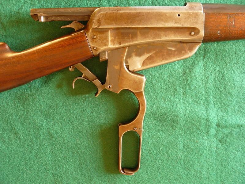 Deux exemplaires; 303 British et 405 Winchester [1895] Winche44