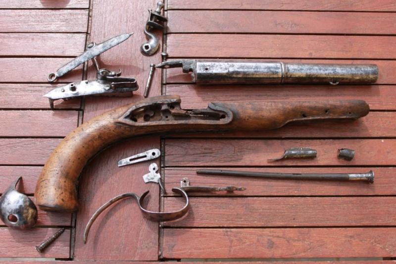 Pistolet demi arçon 18eme Img_6523