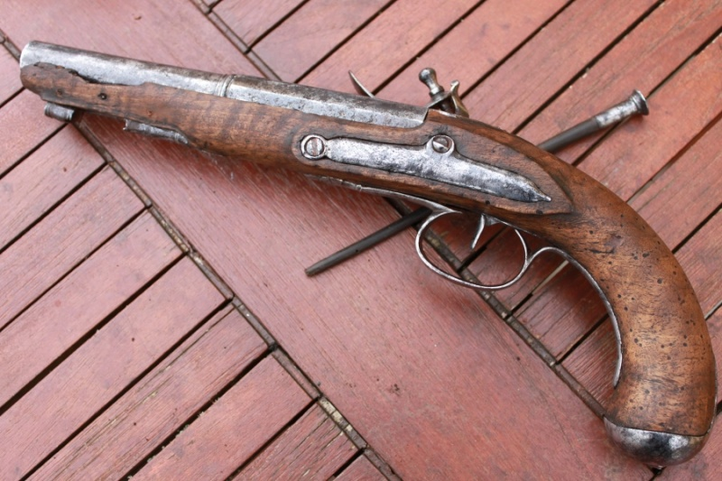 Pistolet demi arçon 18eme Img_6528