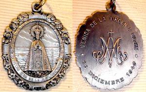 Medalla ventana calada Virgen ¿Advocación? Asunci11