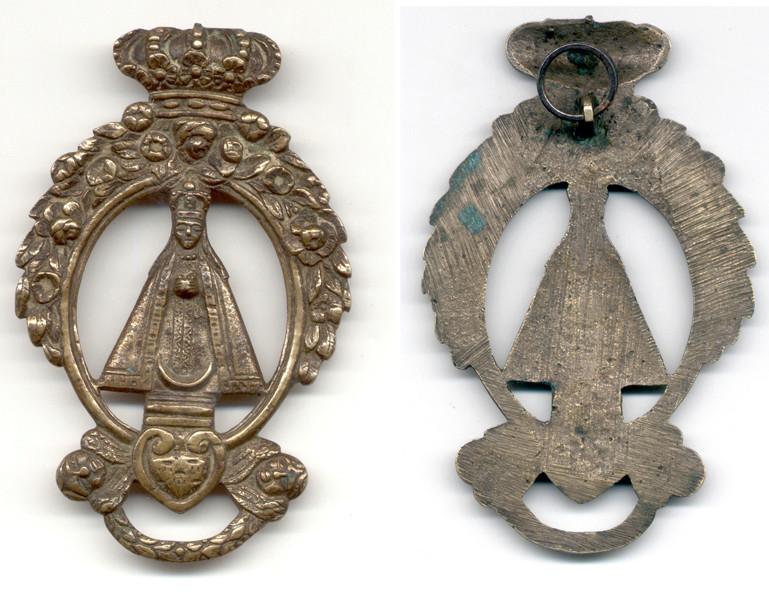 Medalla ventana calada Virgen ¿Advocación? Carmen11